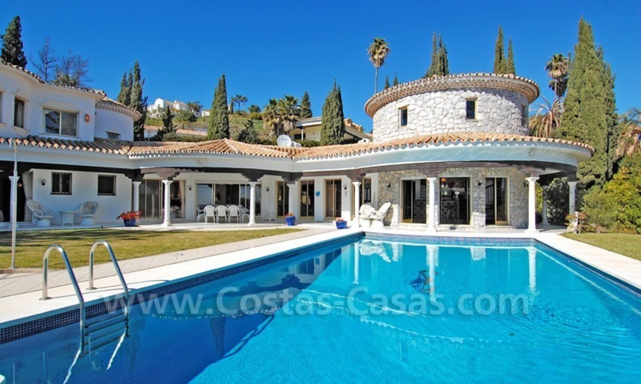 First line golf andalusian styled villa for sale in Estepona – Marbella 1
