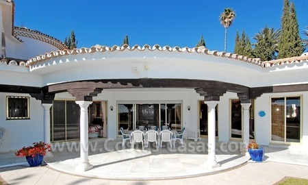 First line golf andalusian styled villa for sale in Estepona – Marbella 3