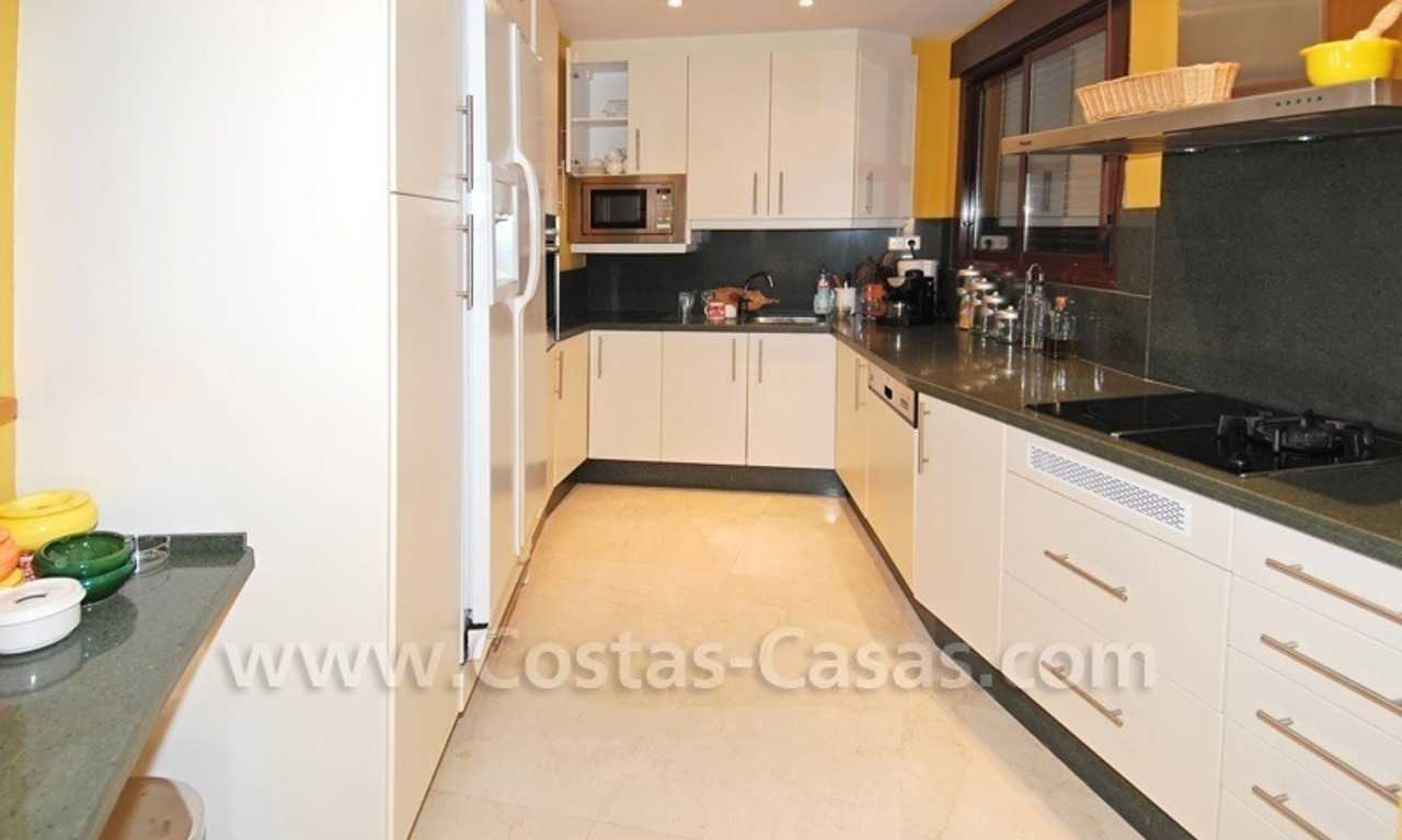 Luxury beachside penthouse apartment for sale, New Golden Mile, Marbella - Estepona 18