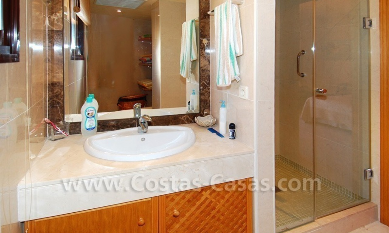 Luxury beachside penthouse apartment for sale, New Golden Mile, Marbella - Estepona 25