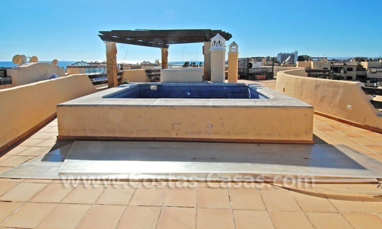 Luxury beachside penthouse apartment for sale, New Golden Mile, Marbella - Estepona 1