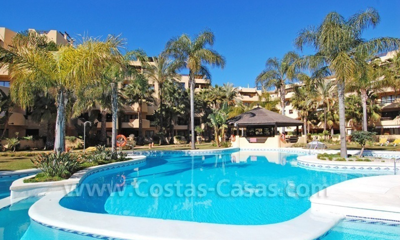 Luxury beachside penthouse apartment for sale, New Golden Mile, Marbella - Estepona 26