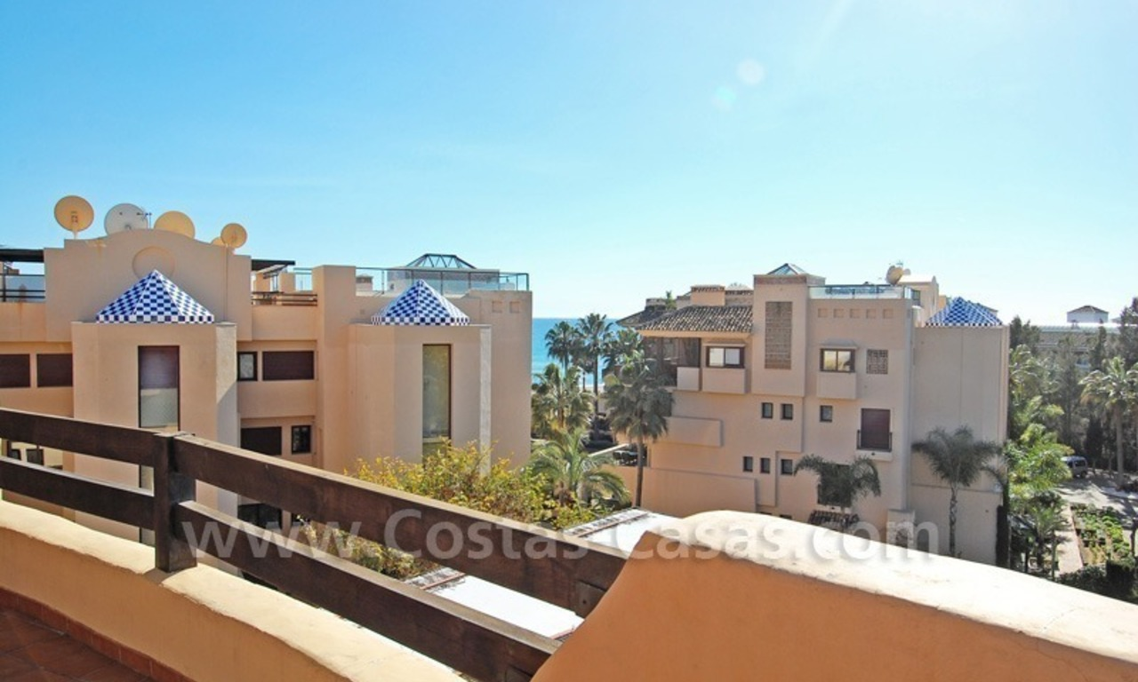 Luxury beachside penthouse apartment for sale, New Golden Mile, Marbella - Estepona 11