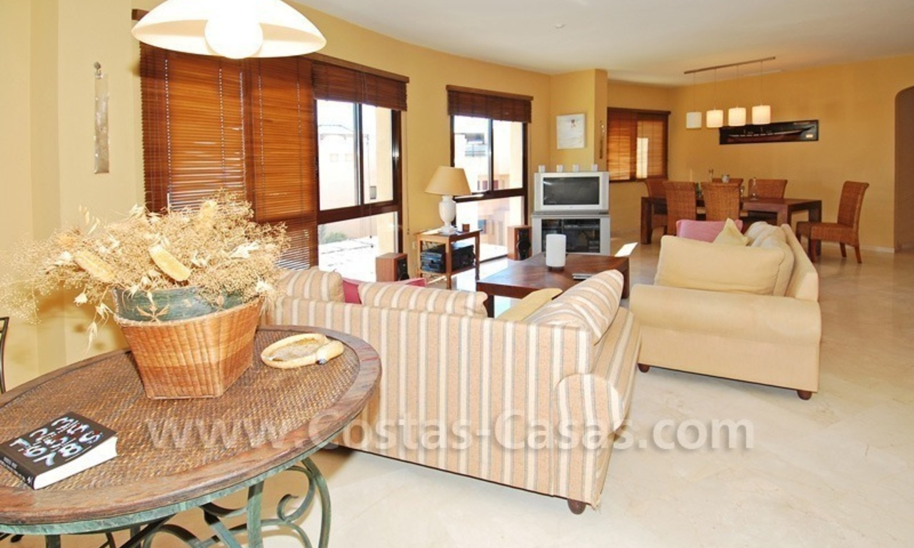 Luxury beachside penthouse apartment for sale, New Golden Mile, Marbella - Estepona 13