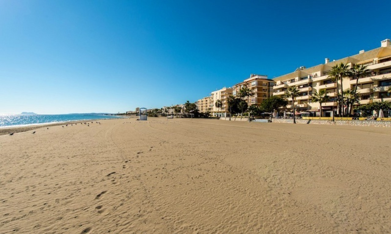 Penthouse apartments for sale next to each other, beachfront in Estepona centre 17