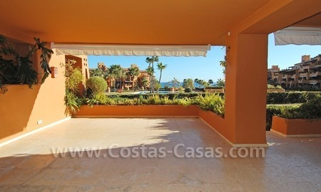 Luxury frontline beach apartment for sale, first line beach complex, New Golden Mile, Marbella - Estepona 2