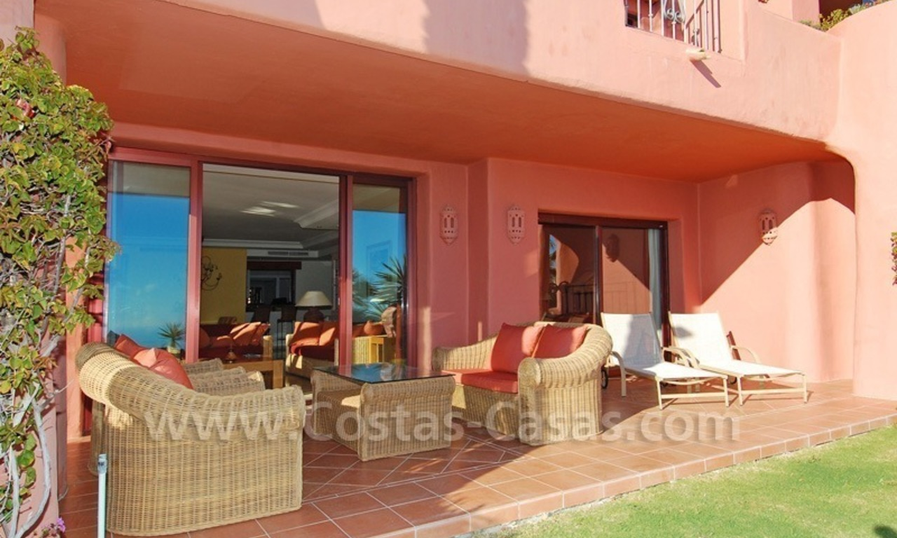 Luxury front line beach apartment for sale, first line beach complex, New Golden Mile, Marbella - Estepona 1