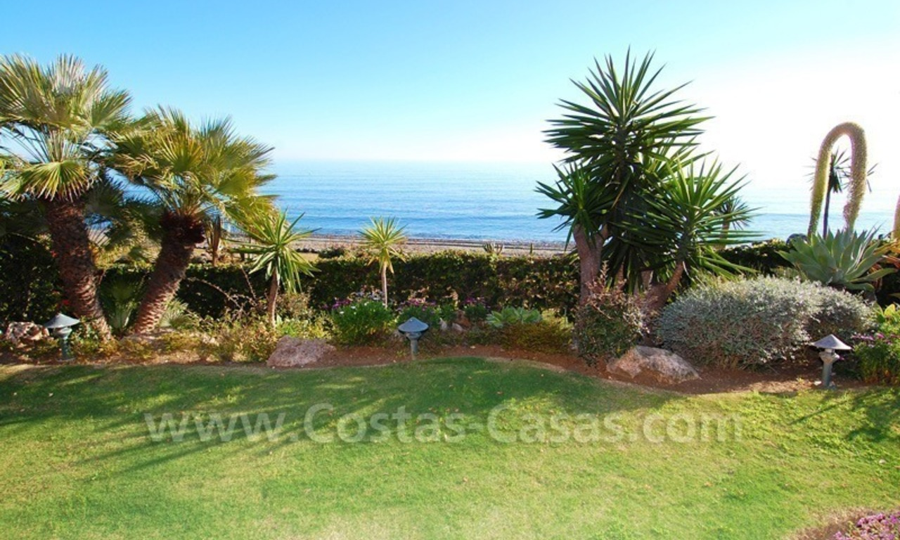 Luxury front line beach apartment for sale, first line beach complex, New Golden Mile, Marbella - Estepona 6