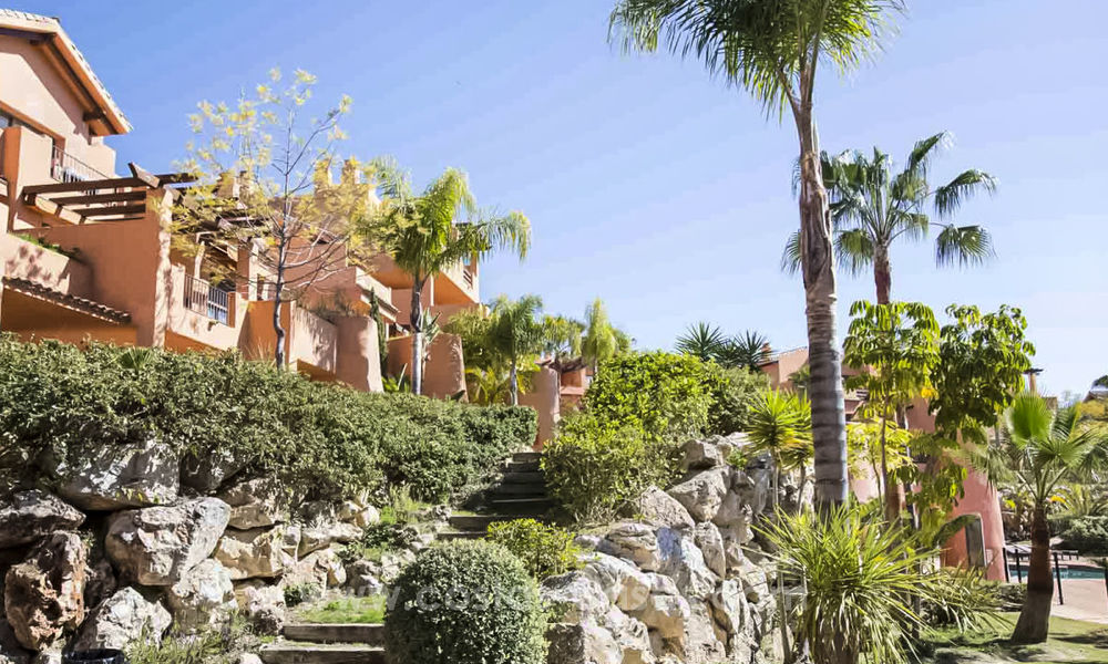 Cheap apartments for sale on the New Golden Mile, Marbella - Estepona 20168