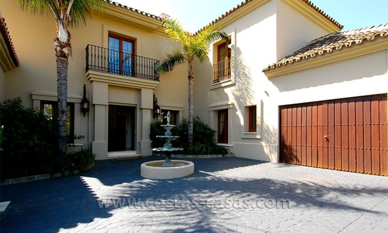 Distressed Sale! Andalusian Styled Villa for Sale in Estepona – Marbella 9