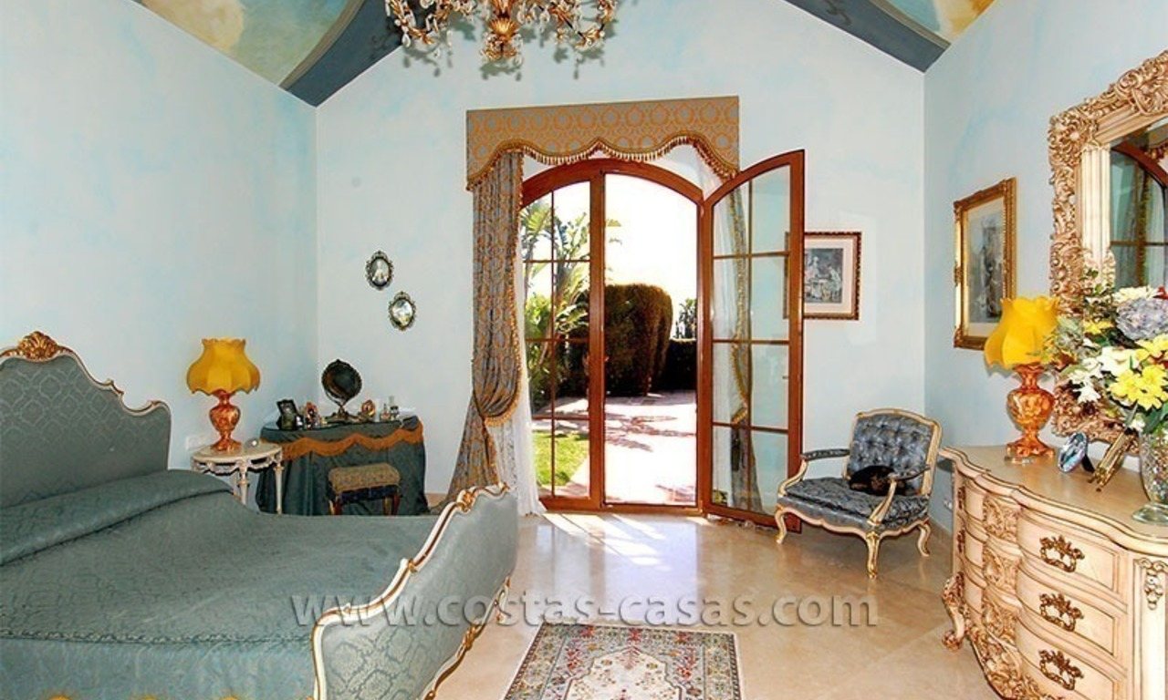 Distressed Sale! Andalusian Styled Villa for Sale in Estepona – Marbella 19