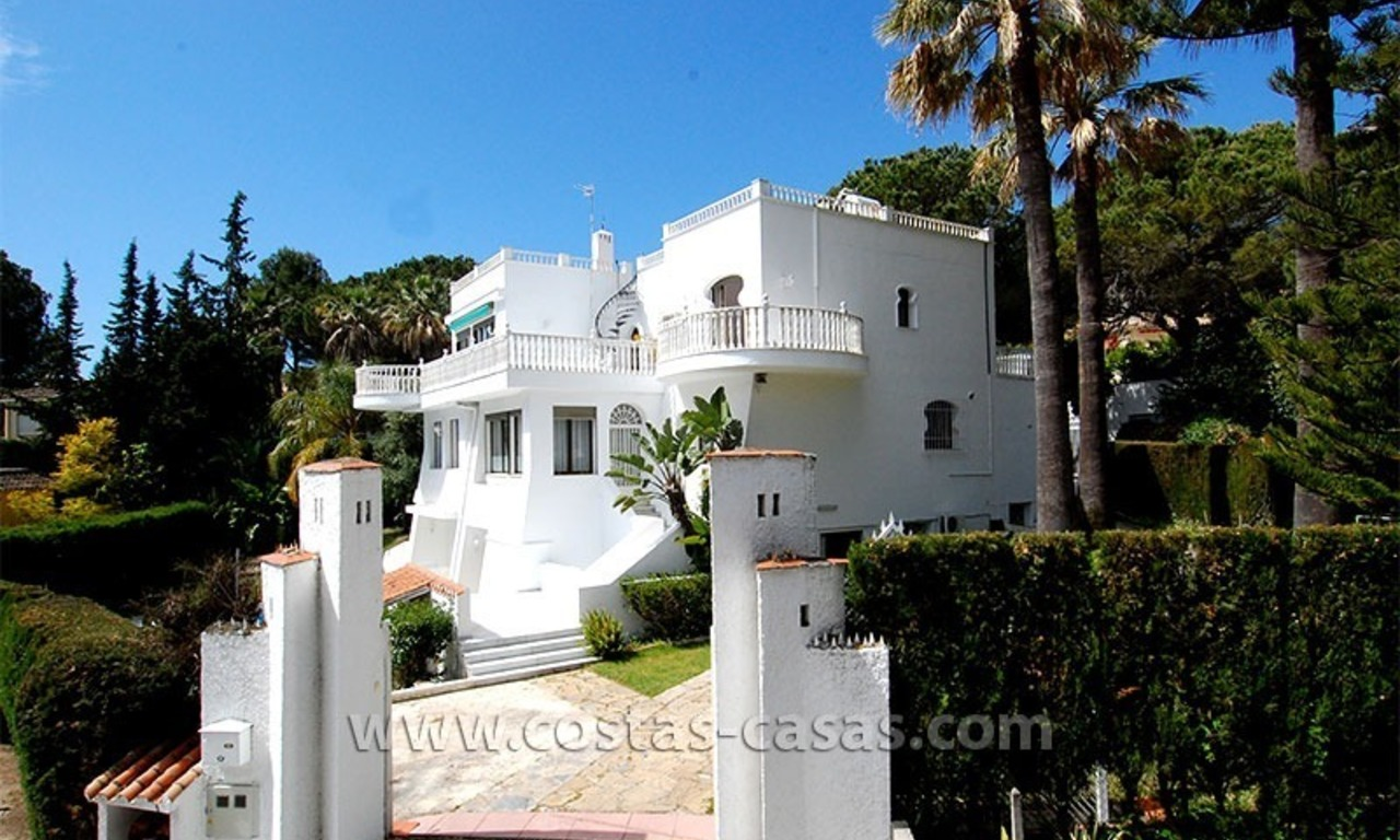 Second line golf villa for sale in Nueva Andalucia - Marbella 1