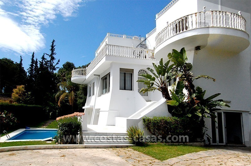 Second line golf villa for sale in Nueva Andalucia - Marbella