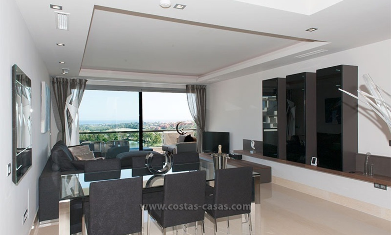 For Rent: New, Contemporary-style luxury vacation penthouse in Marbella-Benahavís, Costa del Sol 10