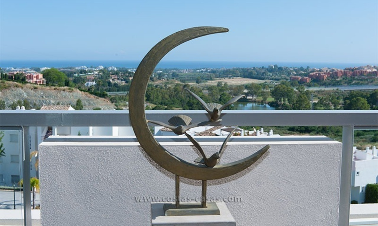 For Rent: New, Contemporary-style luxury vacation penthouse in Marbella-Benahavís, Costa del Sol 6