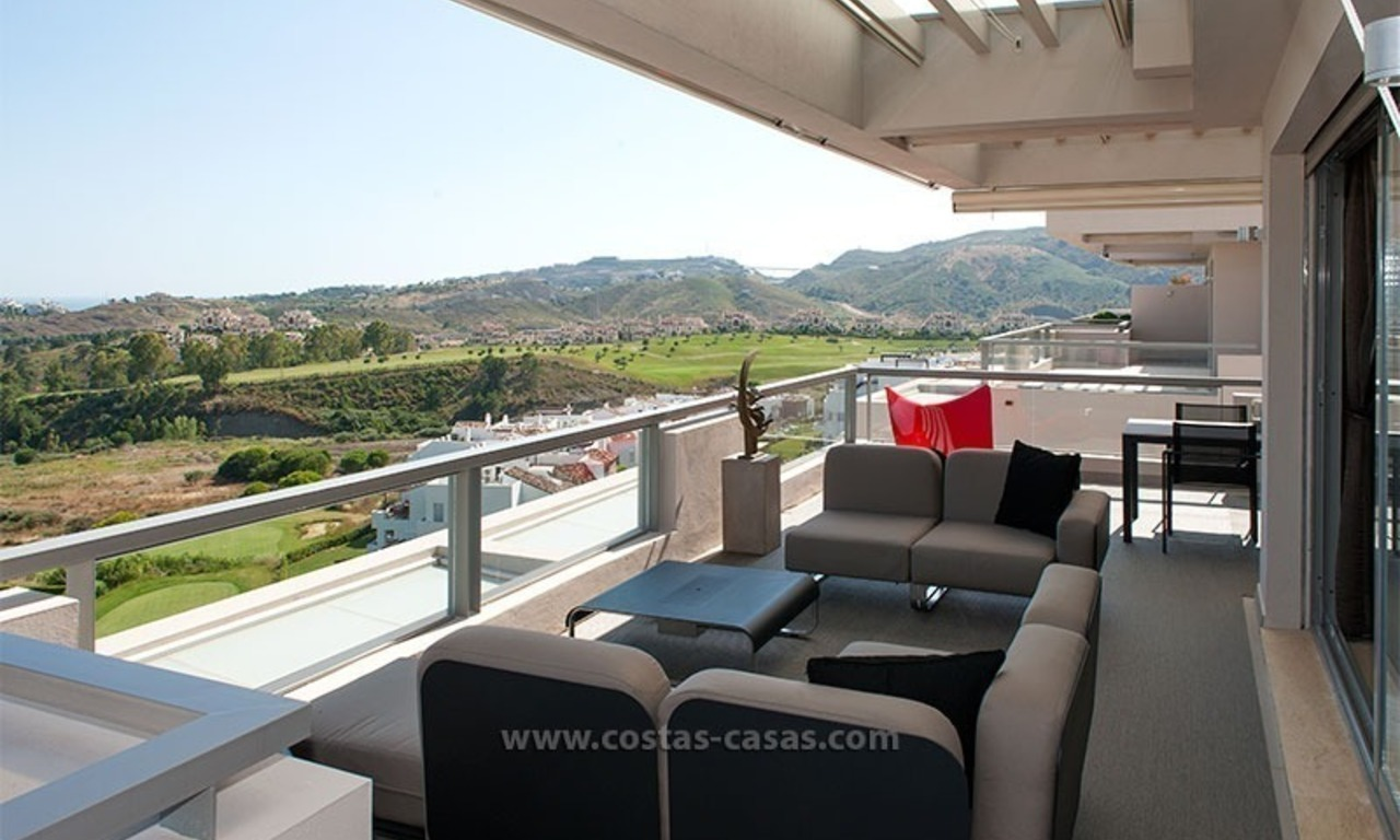 For Rent: New, Contemporary-style luxury vacation penthouse in Marbella-Benahavís, Costa del Sol 9