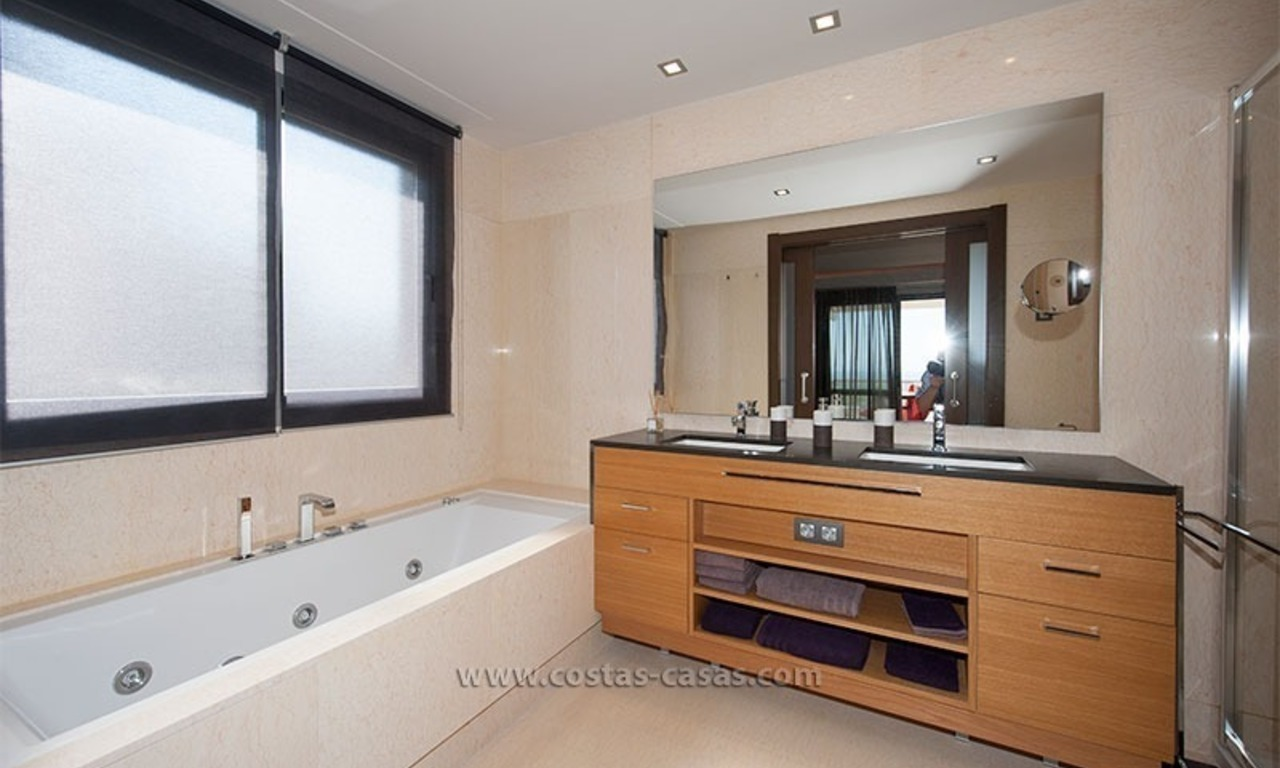 For Rent: New, Contemporary-style luxury vacation penthouse in Marbella-Benahavís, Costa del Sol 18