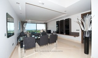 For Rent: New, Contemporary-style luxury vacation penthouse in Marbella-Benahavís, Costa del Sol 13
