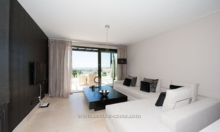 New Contemporary-style Luxury Vacation Apartment For Rent at Marbella-Benahavís Golf Resort on the Costa del Sol 8