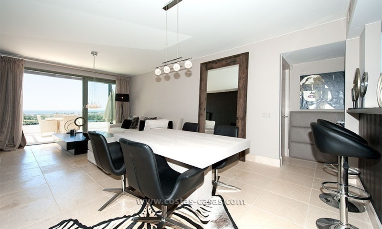 New Contemporary-style Luxury Vacation Apartment For Rent at Marbella-Benahavís Golf Resort on the Costa del Sol 10