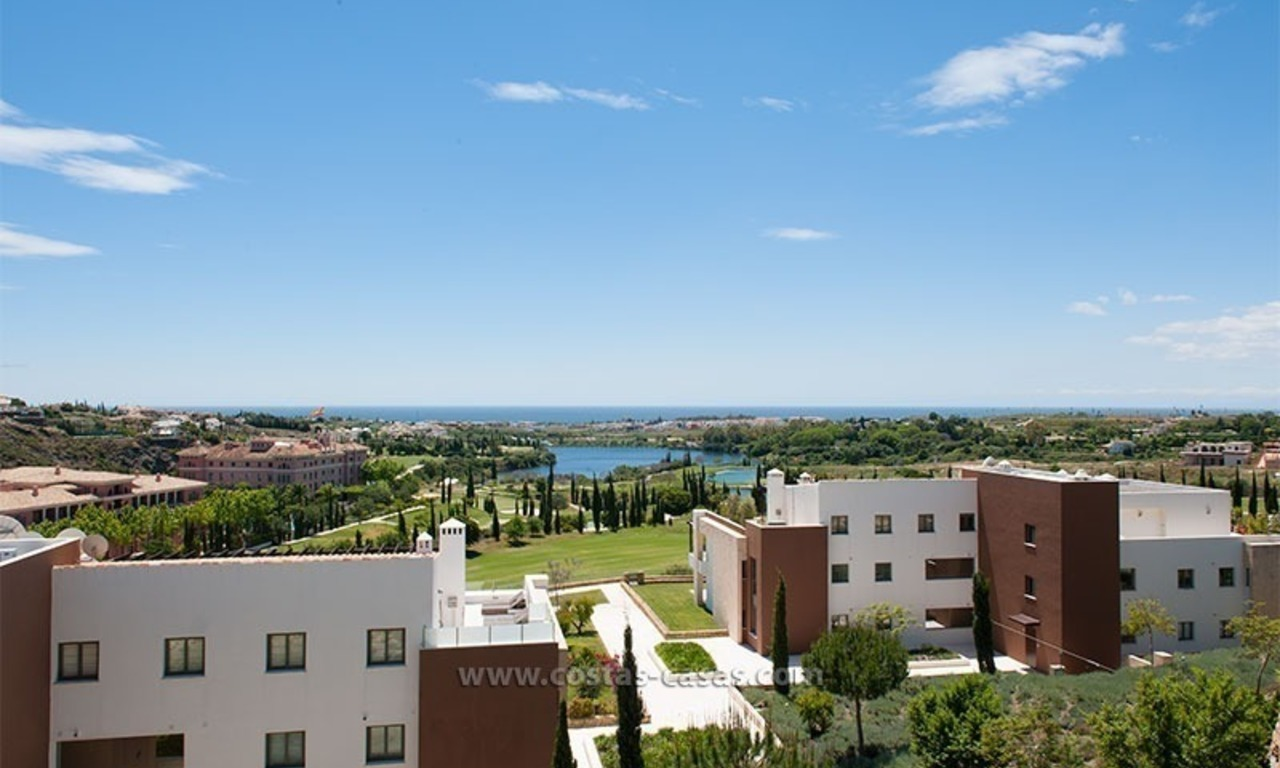 New Contemporary-style Luxury Vacation Apartment For Rent at Marbella-Benahavís Golf Resort on the Costa del Sol 4