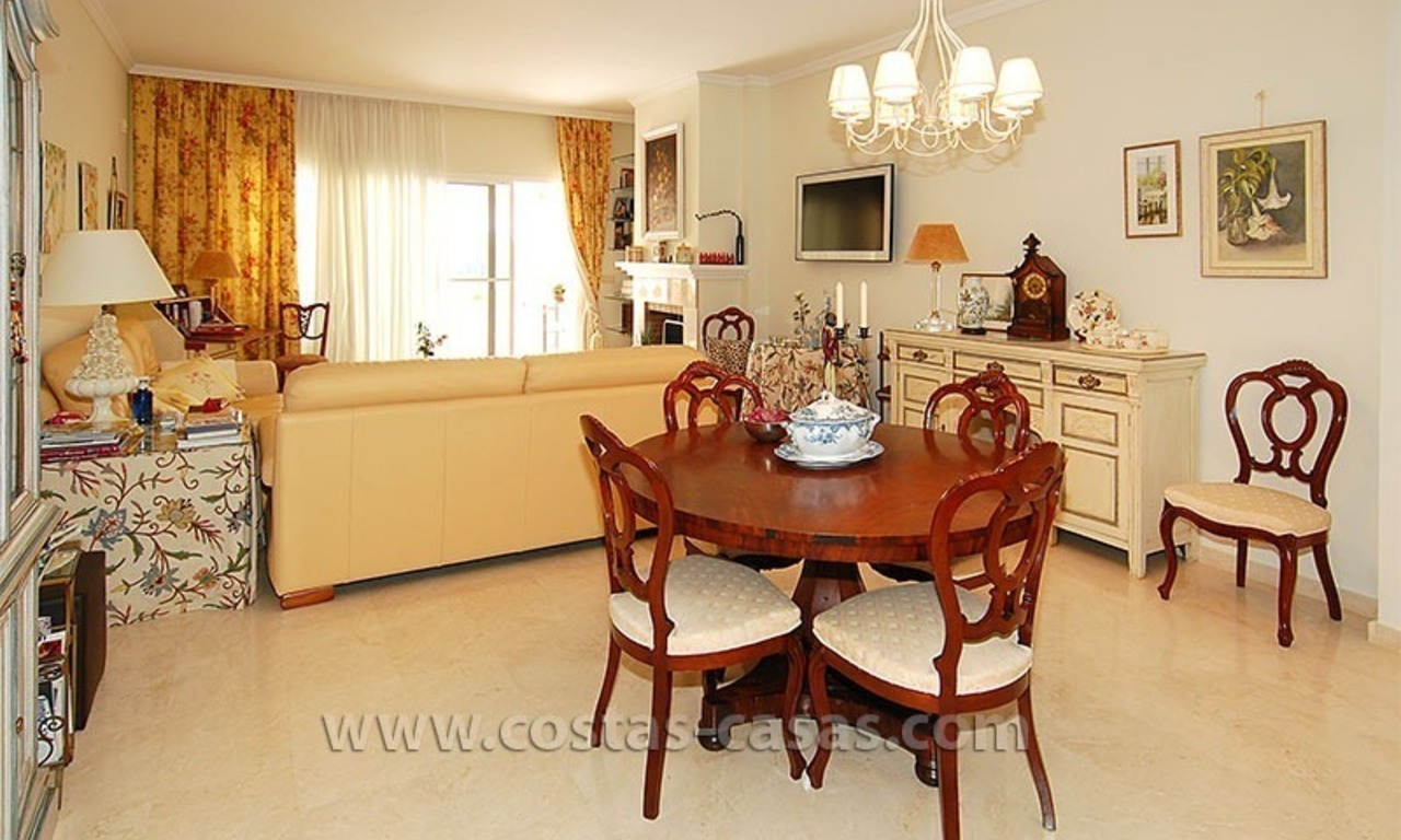 Bargain beachside penthouse apartment for sale, New Golden Mile, Marbella - Estepona 8