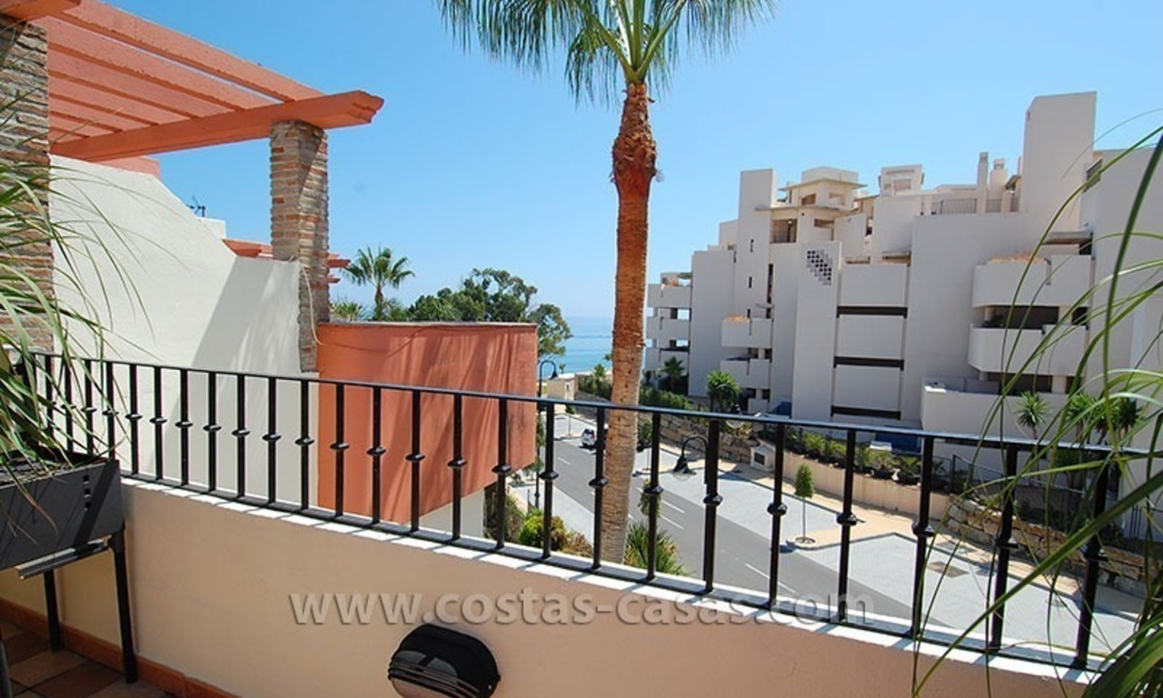 Townhouse for sale in beachfront complex in Estepona 2