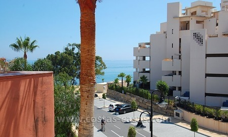 Townhouse for sale in beachfront complex in Estepona 3