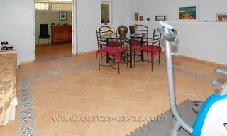 Townhouse for sale in beachfront complex in Estepona 20