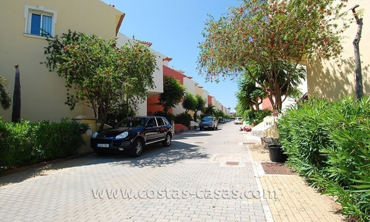 Townhouse for sale in beachfront complex in Estepona 23