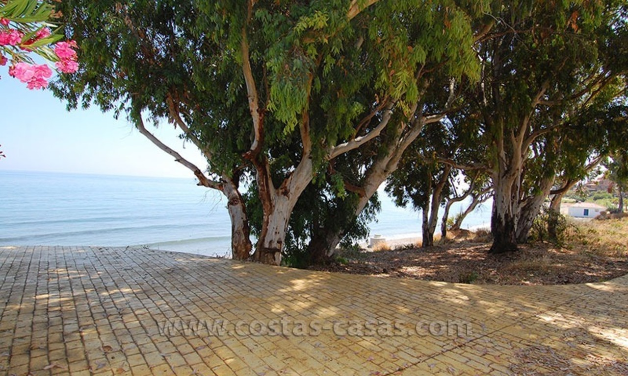 Townhouse for sale in beachfront complex in Estepona 25