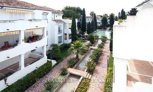 Seaside apartment for sale in a complex in Marbella West