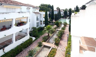 Seaside apartment for sale in a complex in Marbella West 0