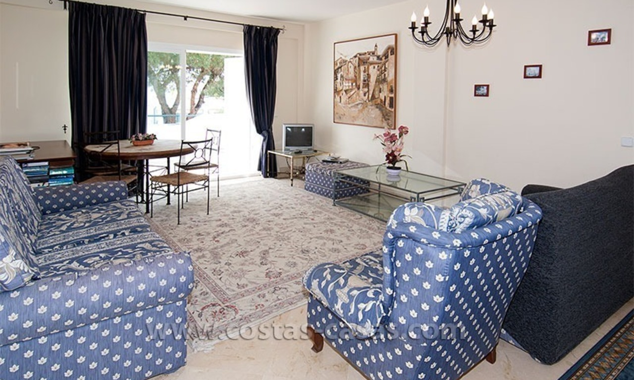 Beachside apartment for sale in a complex in Marbella West 3