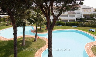 Beachside apartment for sale in a complex in Marbella West 13
