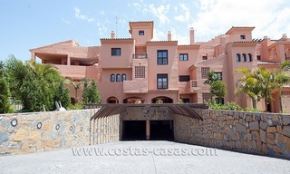 Beachside apartment for sale in a complex in Marbella West 5