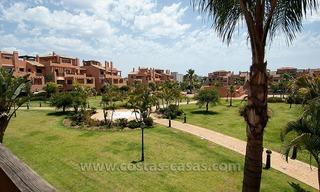 Beachside apartment for sale in a complex in Marbella West 14
