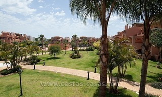 Beachside apartment for sale in a complex in Marbella West 15