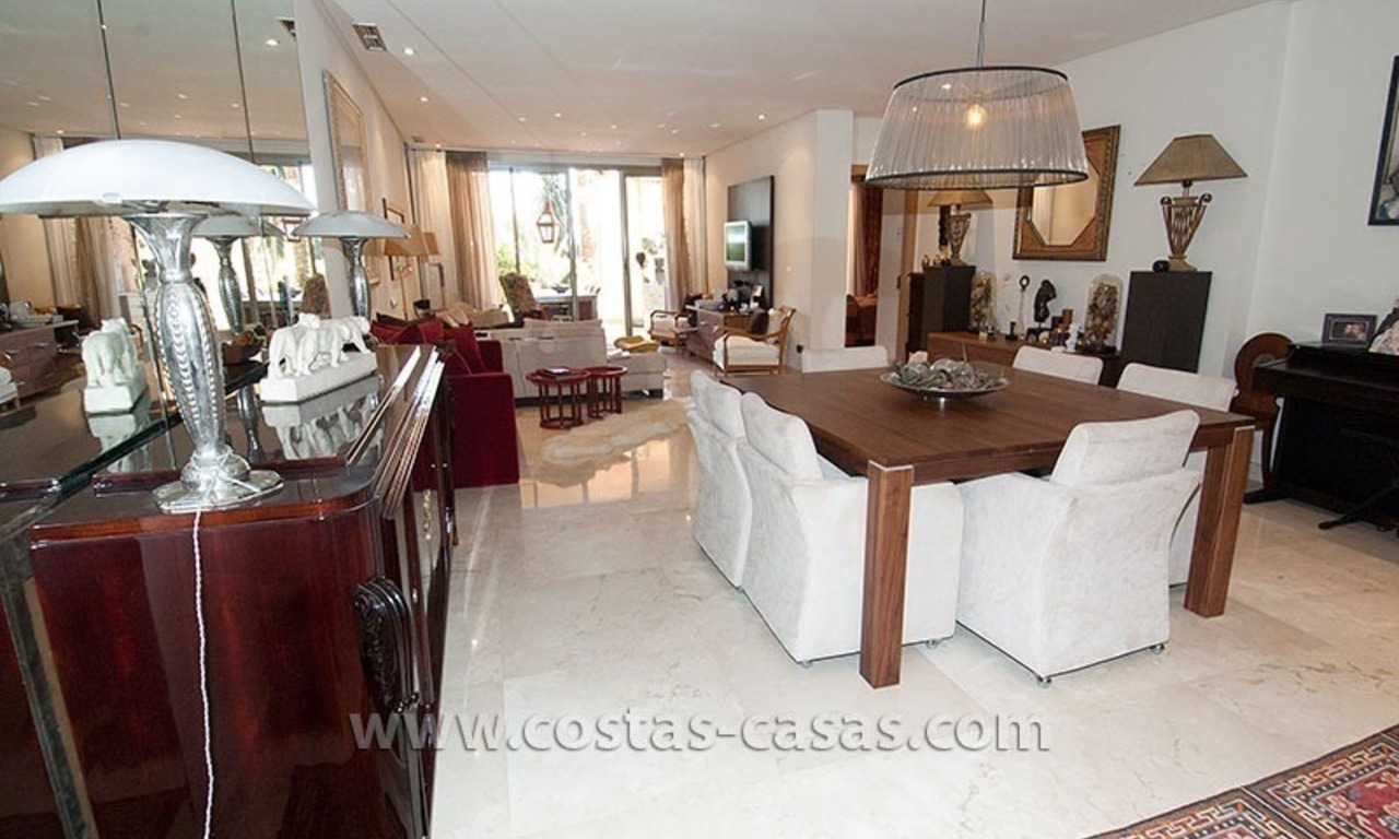 Exclusive luxury apartment to buy on the Golden Mile in Marbella 6