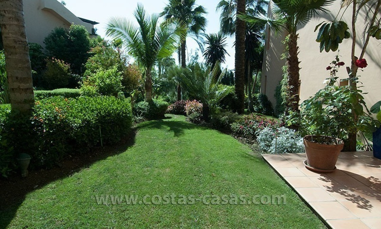 Exclusive luxury apartment to buy on the Golden Mile in Marbella 15