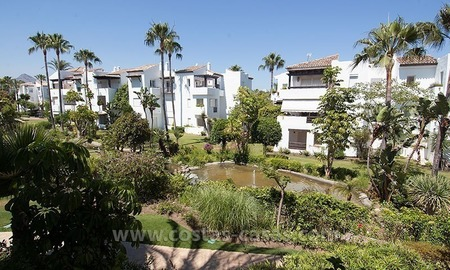 Luxury beachside apartment for sale in beachfront complex, New Golden Mile, Marbella - Estepona 1