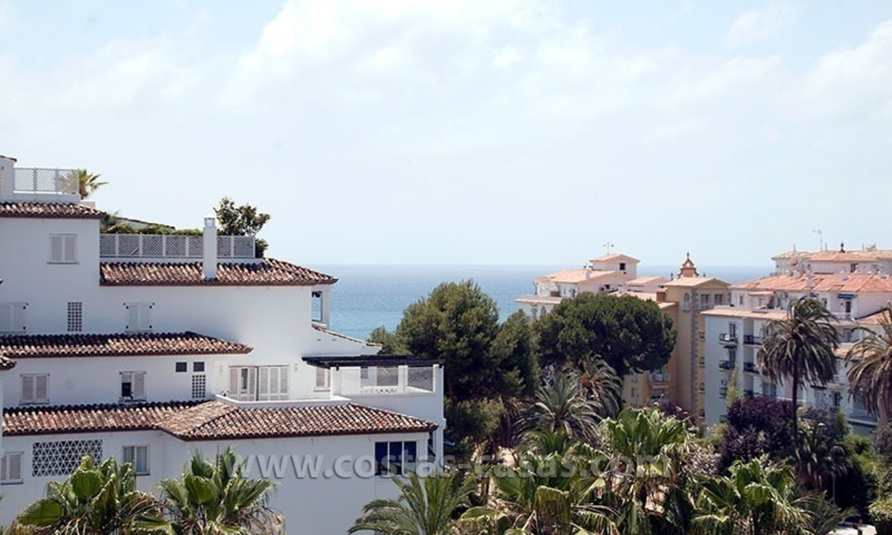 Beachside apartment for sale in Puerto Banus – Marbella 1