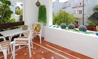 Beachside apartment for sale in beachfront complex, New Golden Mile, Marbella - Estepona 1