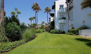 Beachside apartment for sale in beachfront complex, New Golden Mile, Marbella - Estepona 10