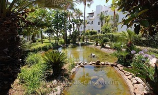 Beachside apartment for sale in beachfront complex, New Golden Mile, Marbella - Estepona 11