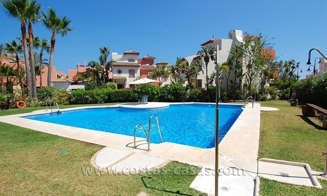 Townhouse for sale in beachfront complex in Estepona 24