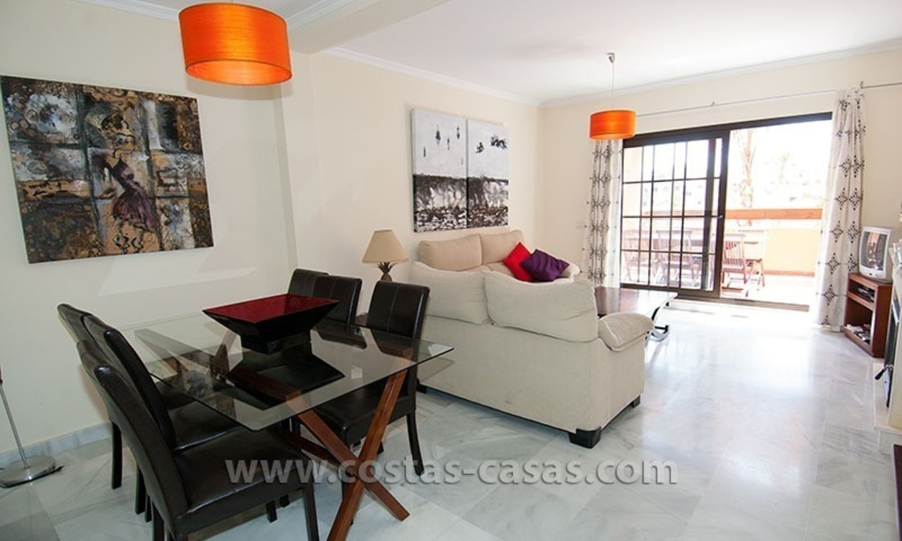 Beachside apartment for sale in a complex in Marbella West 8