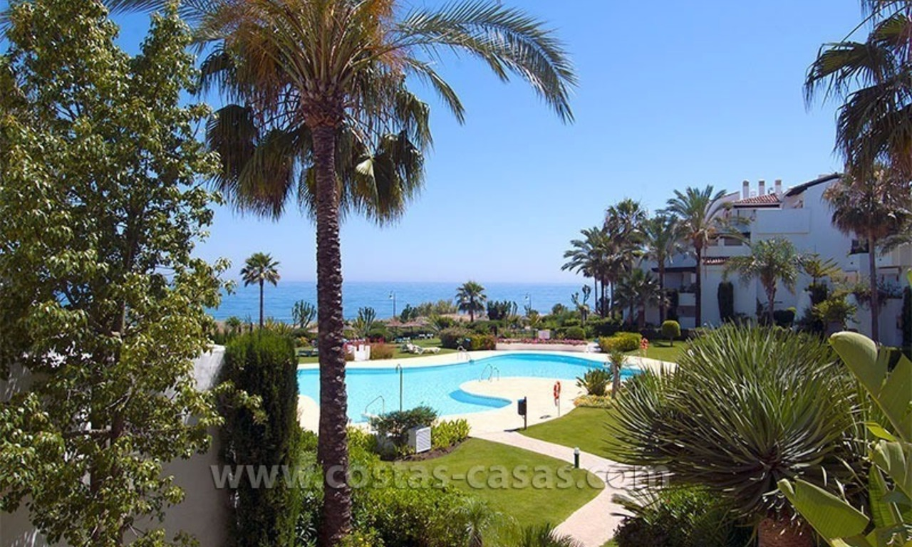 Luxury beachside apartment for sale in beachfront complex, New Golden Mile, Marbella - Estepona 0
