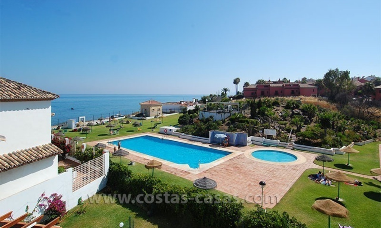 Frontline beach townhouse for sale in a first line beach complex in Estepona 2