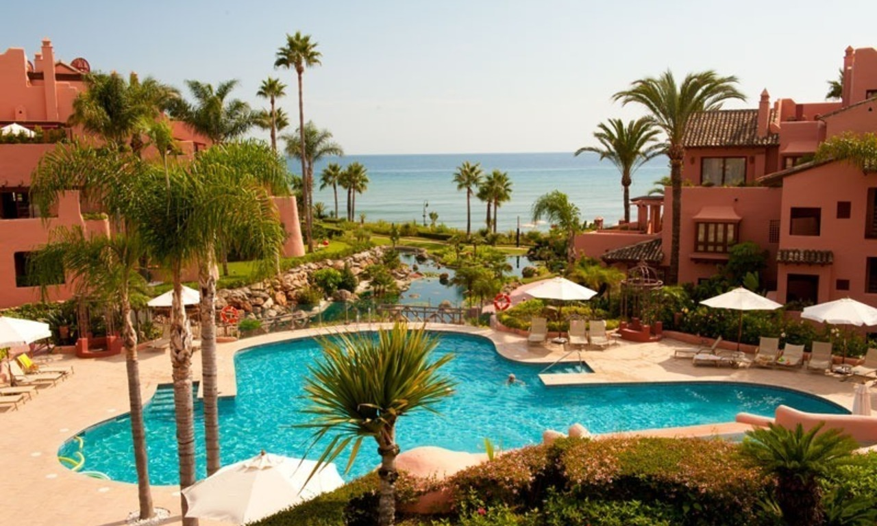 For holiday rent: Luxury frontline beach apartment, first line beach complex, New Golden Mile, Marbella - Estepona, Costa del Sol 1